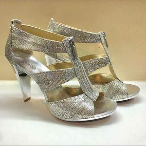 Michael Kors Berkeley T strap Heel in Silver